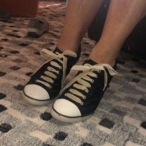 Tennis shoe heel by Xappeal.